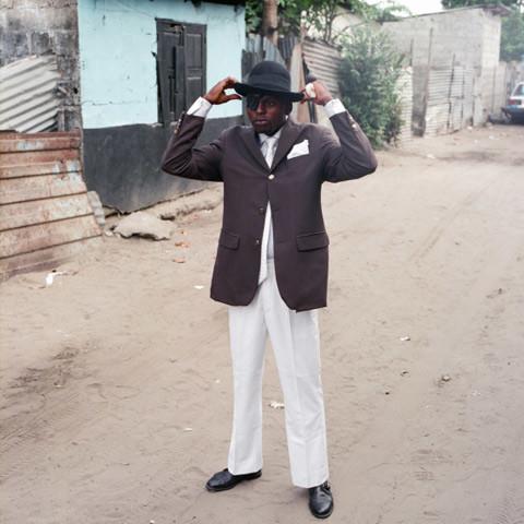 4 Serge le Temoin de Playboy & Co. Sartorial elegance in Congo