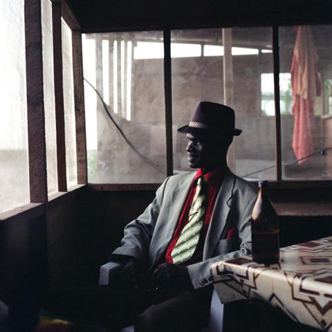 5 Serge le Temoin de Playboy & Co. Sartorial elegance in Congo