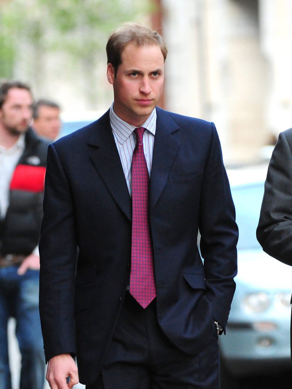 prince-william-of-wales-in-suit