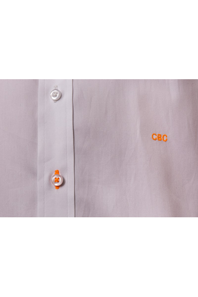 Shanghai tab collar shirt button detail